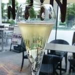 シュリンプ ガーデン - (2015/9/23)シャンパンをグラスで頂きました(^^)v