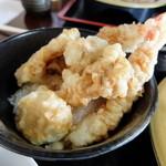 滝野庵 - 天丼はエビ、舞茸、南瓜、玉ねぎ
