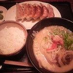 福ちゃん - 極み白湯ラーメン+ライス+餃子