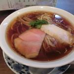 らぁ麺 紫陽花 - 醤油らぁ麺(210g)730円。150gでも同一料金。