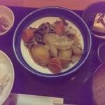 男の手料理 膳 - 日替り定食(肉じゃがと冷奴定食)