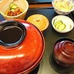 鰻作 - 期間限定夏メニューのうな丼特大定食(4800円)