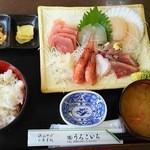 42192197 - 刺身定食¥1500(H27.9.21撮影)