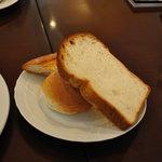 珈琲館 - オープンサンドのパン
