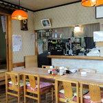 <民宿>しをみ食堂 - 典型的な田舎の食堂らしい雰囲気