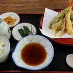 そばつう - 料理写真:そばつう(天ざる1,300円 ※蕎麦以外の全景)