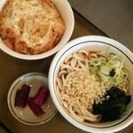 山田うどん食堂 - かき揚げ丼セット580円