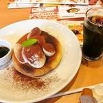 ガスト - 料理写真:ティラミスバナナパンケーキ アイスコーヒー