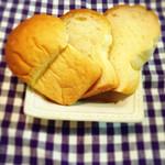 42203121 - イギリス食パン 1/2 160円