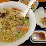 リンガーハット - 料理写真:長崎ちゃんぽん+炒飯・餃子セット