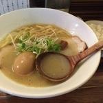 ラーメン ロケットキッチン - トリ塩パイタン<半熟煮玉子入り>(800円)+ごはん(100円)