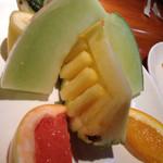 42206292 - セットのフルーツ‼︎パイナップルは飾り切りになってました‼︎