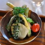 たまごカフェ - 天ぷらです(紫蘇の実が美味しかった)