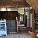 たまごカフェ - 奥が厨房です