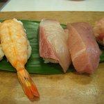 六五寿司 - 上定食の最初の4貫