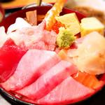 ことぶき亭 - 夜の海鮮丼