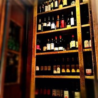 常時50種類以上のワインセラー