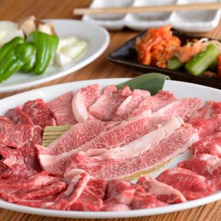 それぞれに個性がる!肉5種の競演『ごんたか大皿』☆