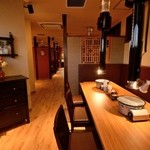 焼肉家ごんたか - VIP席としても使えるスタイリッシュな半個室でゆっくりと食事を