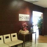 42222389 - CASTLE HOUSE