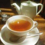 4223340 - 紅茶。ポットサービス!