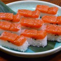 大豊 - 富士桜鱒寿司 冷燻による和のスモーク高級食材として欧米人にはお馴染みの虹鱒の燻製がお寿司になりました。