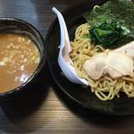 横浜家系ラーメン 魂心家 - つけ麺
