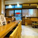 讃岐麺処 か川 - 琴の音色が流れる和の雰囲気