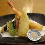 42234664 - 塩で頂ける、美味しい天ぷら。
