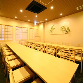 カラオケ宴会場完備!!会議などのご利用も可。31名様収容可能