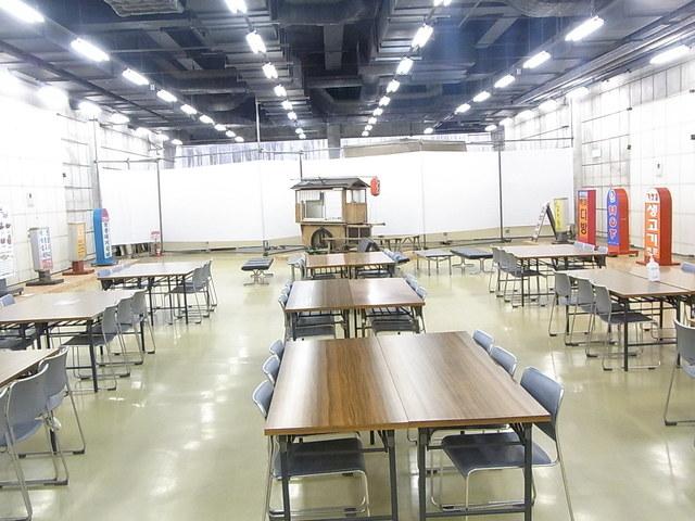 国立民族学博物館特別展示館ミュージアムショップ - 特別展示館地下1階の無料休憩所☆♪