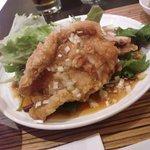 42235247 - 日替りランチ(油淋鶏)千円税込 油淋鶏、お粥、スープ、ドリンク付