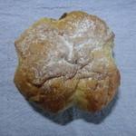 42237136 - イチジクのパン