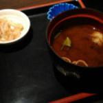 淡路島と喰らえ 新宿西口店 - 丼に一緒についてくるもの