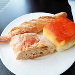 アルヴァ - ミルクパン、プティバゲット、プレーンパン