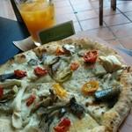 ピッツァ ベッカフィーコ - 料理写真: