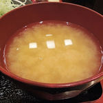 とんかつ かついち - シジミのお味噌汁、出汁が出ています
