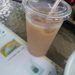 喫茶アービー - アイスミルクティ-・370円
