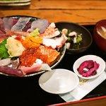 漁十八番 - 海鮮丼(2010年6月)