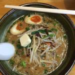 王様ラーメン - 料理写真:味噌ラーメン➕バター➕味玉 合計770円税別