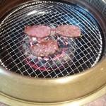 焼肉&酒食楽 凪 - 焼き焼き。