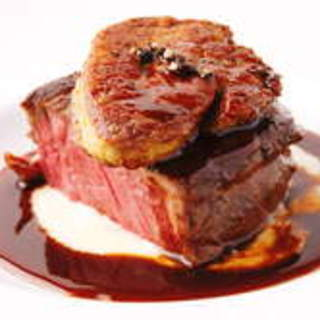 赤ワインとぜひ♪牛ヒレ肉のステーキフォアグラ添え