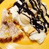 スイーツパラダイス - 料理写真:プリンロールを真ん中を割り広げて、生クリーム、ハーゲンダッツ、チョコソーストッピングして オリジナルロールケーキの完成♥ ハーゲンダッツ食べ放題✨