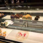Mioru - ケーキは結構大きくて350円-500円ほど