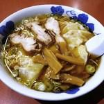 尹呂葉 - ワンタンメン+チャーシュー乗せ (醤油)