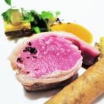 42273345 - 仔羊鞍下肉のロースト 2種類の調理法で