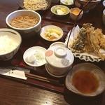 ほりのうち - 今日の一品 ししゃもと野菜の天ぷらのセット 新蕎麦の季節ですね