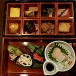 42275692 - 「お惣菜8品」、「お造り」、「野菜寿し」(旬彩弁当)