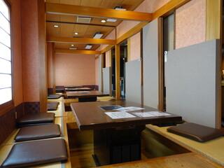 海南亭 鶴橋店 - 3Fの待合
