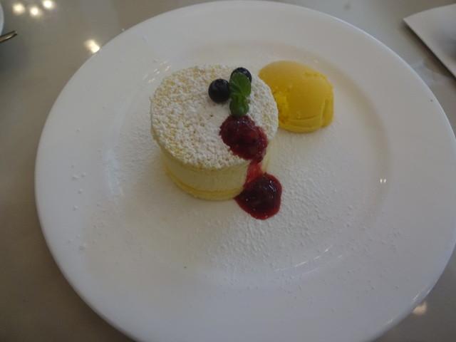 ランチャン アヴェニュー - レアチーズケーキ